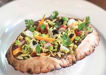 Tourteau, chair de crabe émiettée, petits légumes en carapace, gelée de pince de crabe, Caviar de Noël Sturia