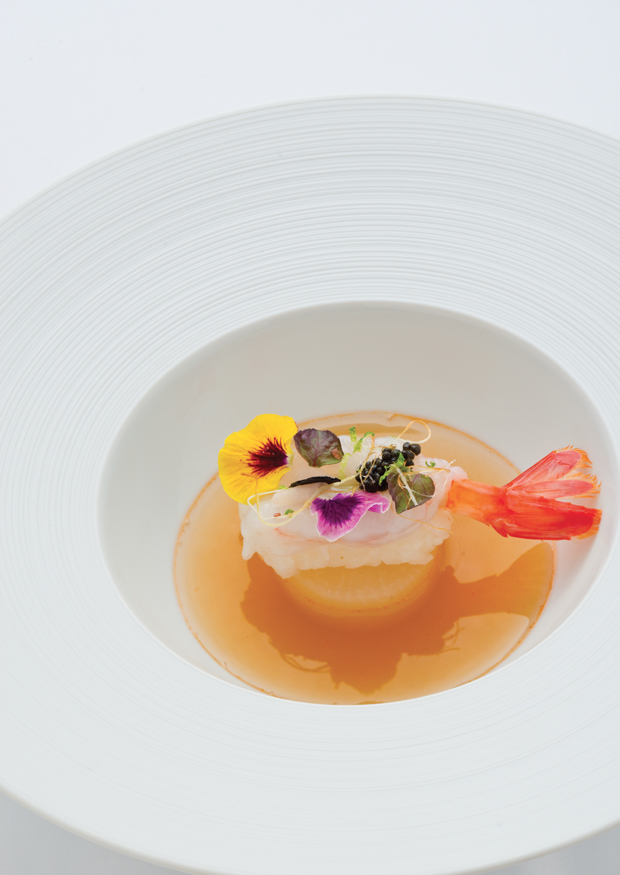 Crevette douce crue & Caviar Sturia, cœur de palmier, riz pilaf et nage de crevettes