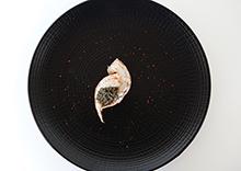 Langoustines laquées à la plancha, caviar Sturia Oscietra