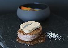 Tournedos de veau Rossini, foie gras de canard au caviar Sturia