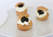 Chou à la crème citronnée, caviar Sturia Vintage