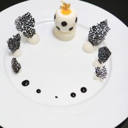 L'œuf (mollet), caviar Sturia Classic Par les élèves de l'école de cuisine FERRANDI - Campus Bordeaux