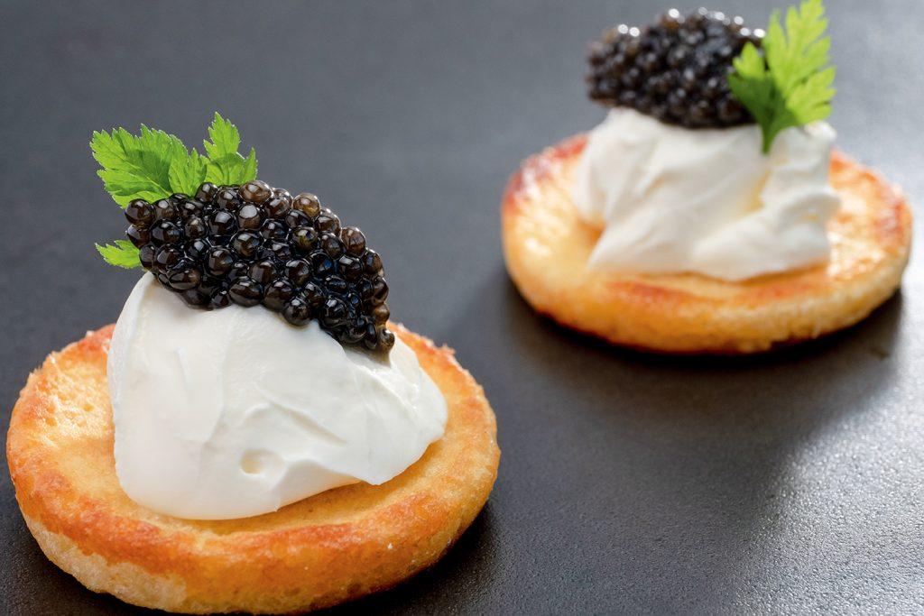 Blinis de pomme de terre et caviar Sturia Oscietra