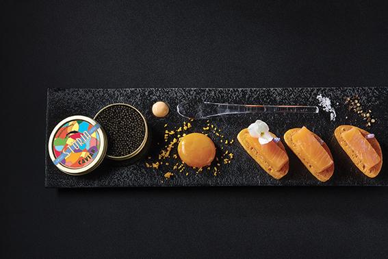 Recette : Saumon fumé, jaune d'œuf mi-cuit et caviar Sturia Vintage